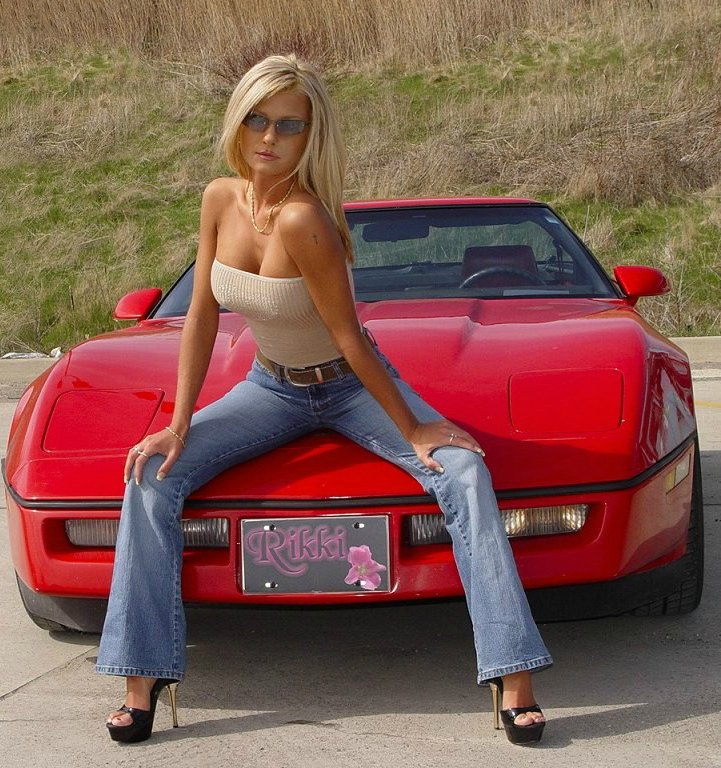 Girls on corvettes sexy